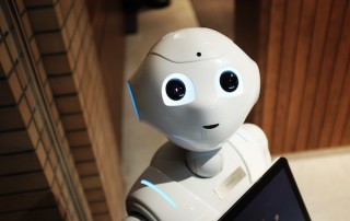 Artificial intelligence in supply chains